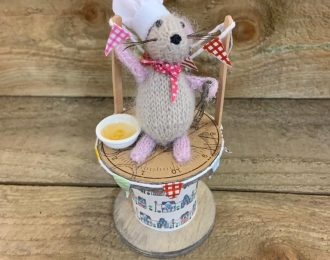 """Bake Off"" Wool Mouse on Bobbin"
